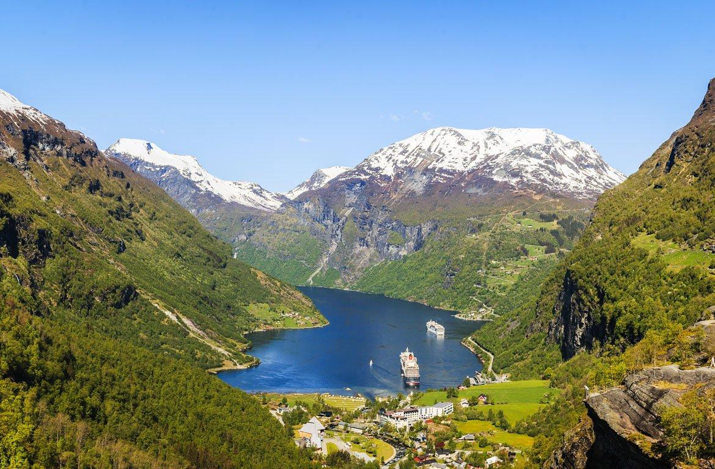 Cruzeiro no fiorde de Geiranger, Noruega