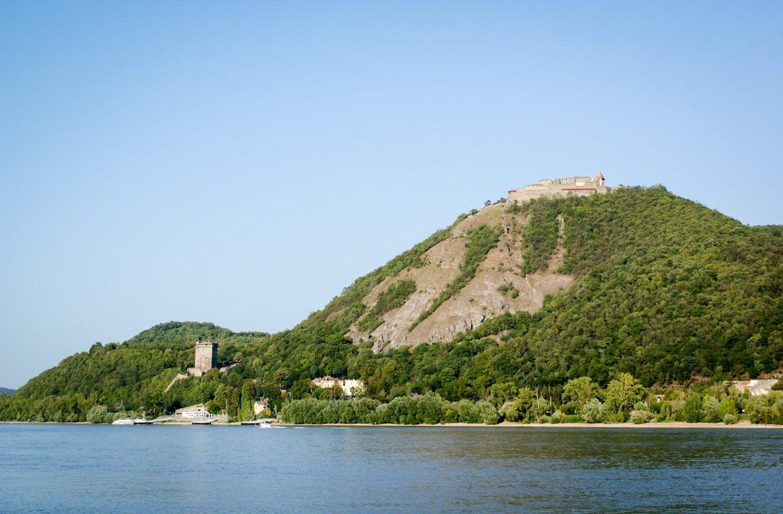 Vista de Visegrád, na Hungria,
