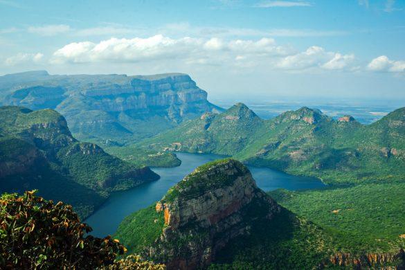 Vista aérea de Drakensberg, na província de Kwazulu-Natal, na África do Sul.