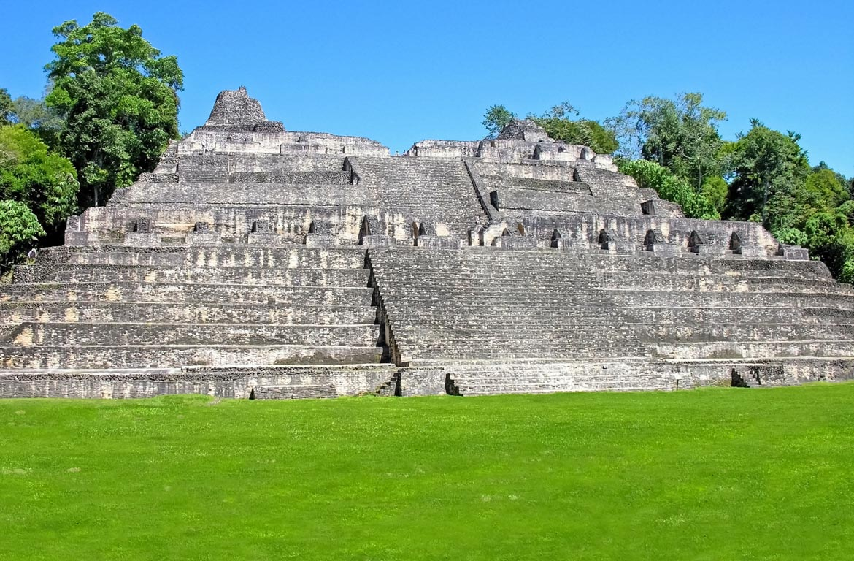Pirâmide Maia de El Caracol, Belize