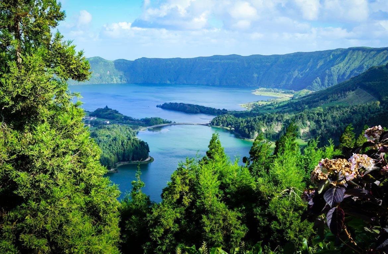 Lagoa das Sete Cidades, na ilha de São Miguel, Açores