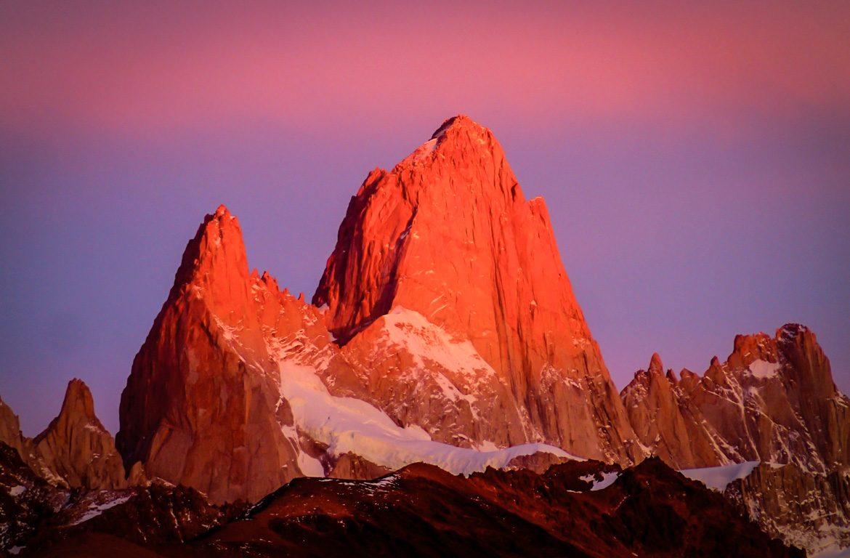 Nascer do sol no Monte Fitz Roy, na Patagónia, Argentina