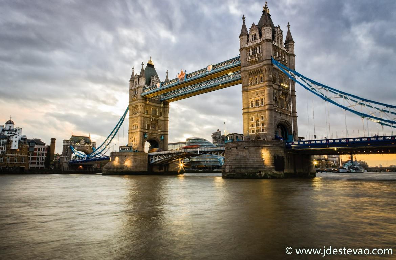 Pôr-do-sol na Ponte da Torre de Londres, Londres