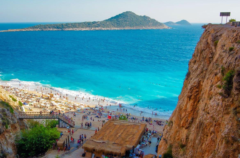 A Praia Kaputas, na Antália, Turquia