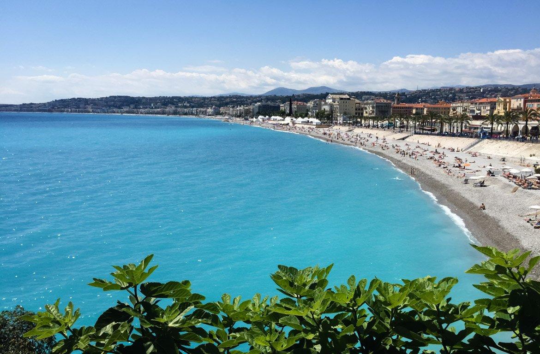 Mar Mediterrâneo em Nice, Riviera Francesa, a Côte d'Azur, França