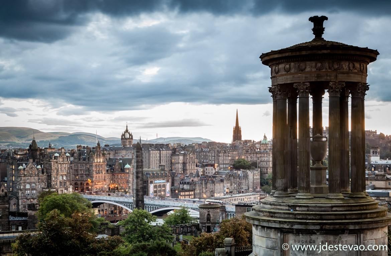 Monumento Dugald Stewart em Edimburgo, Escócia