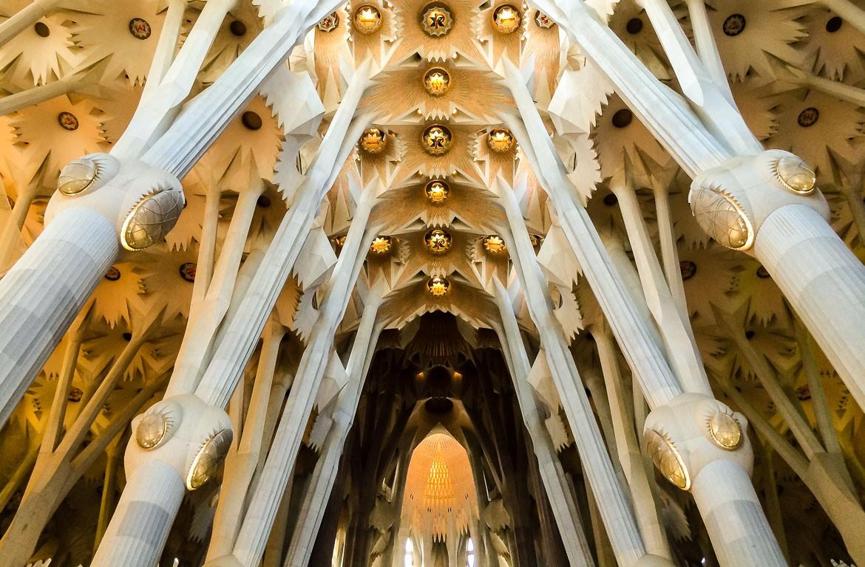 Interior da igreja da Sagrada Família, Barcelona