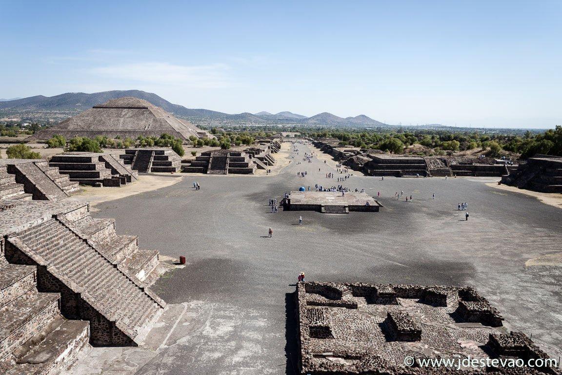 Pirâmide da Lua e do Sol em Teotihuacan, México