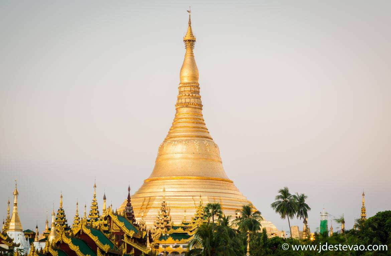 Shwedagon Pagoda - atracção turística para visitar no roteiro de um dia em Yangon