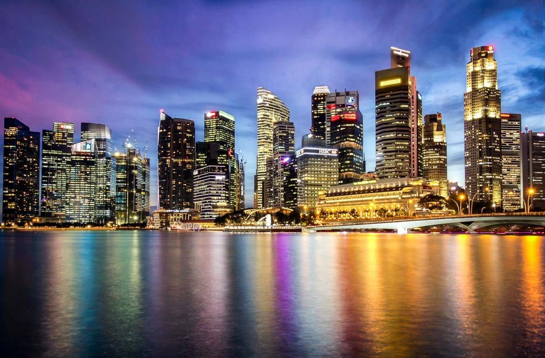 Vista nocturna de Singapura