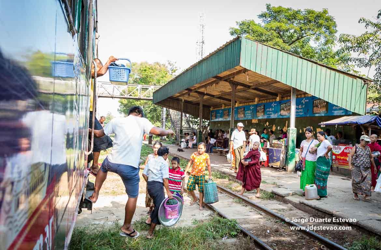 Comboio circular Yangon