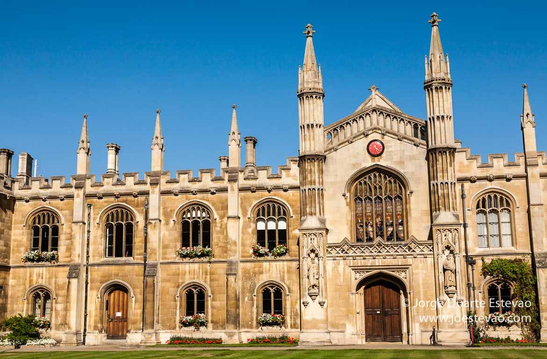Corpus Christi college, uma viagem barata próxima de Londres