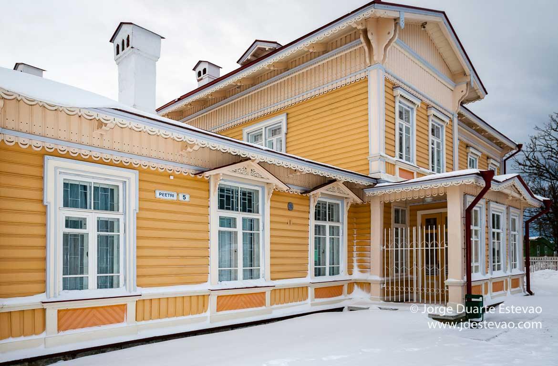 O prédio mais reconhecido de Paldiski - a estação de comboios da cidade da Estónia