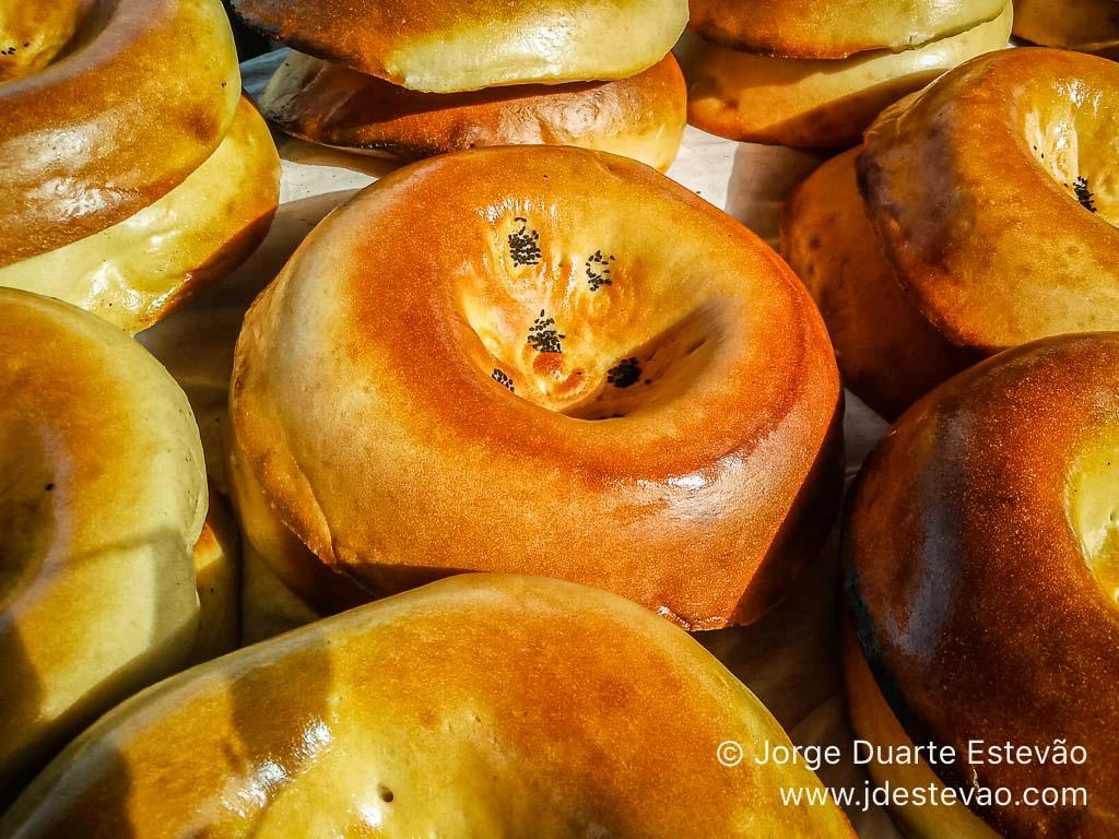Pão no Bazar de Siyob, em Samarcanda, Uzbequistão