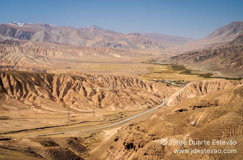 Estrada para Song-Kul Quirguistão, Ásia Central