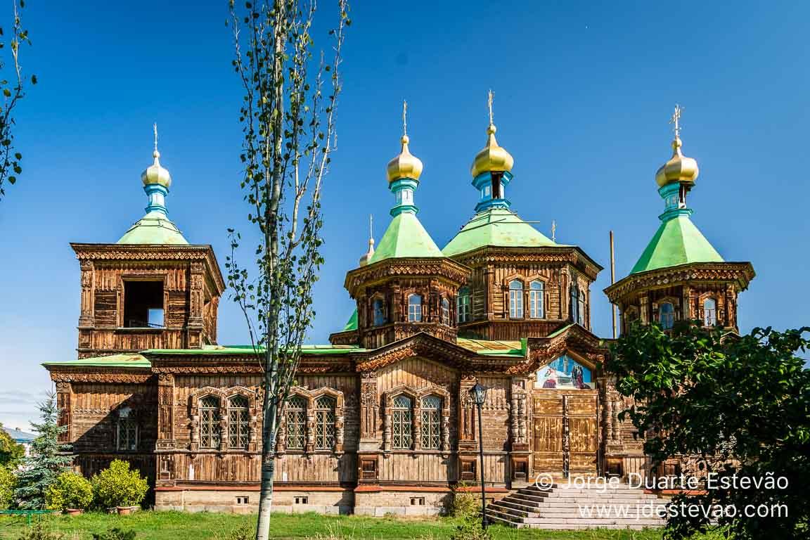Igreja ortodoxa em Karakol, Quirguistão, Ásia Central