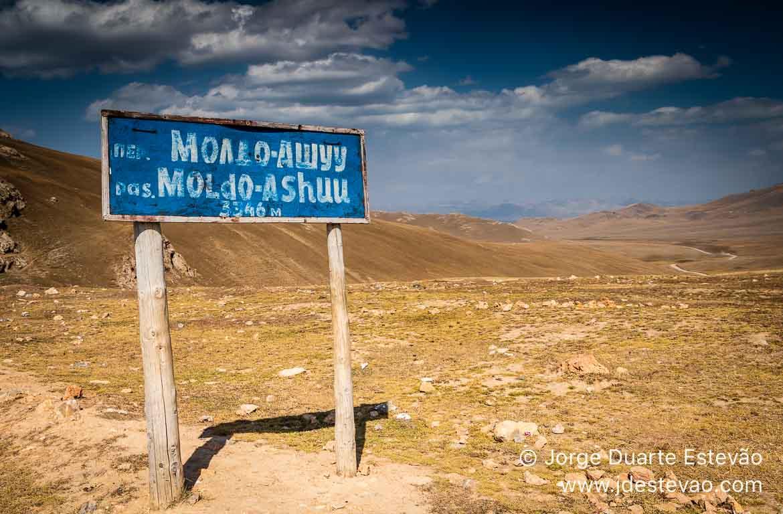 Passagem montanha Moldo Ashuu Quirguistão, Ásia Central