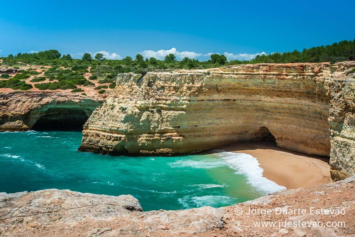 Praia da Corredoura, Sete Vales Suspensos