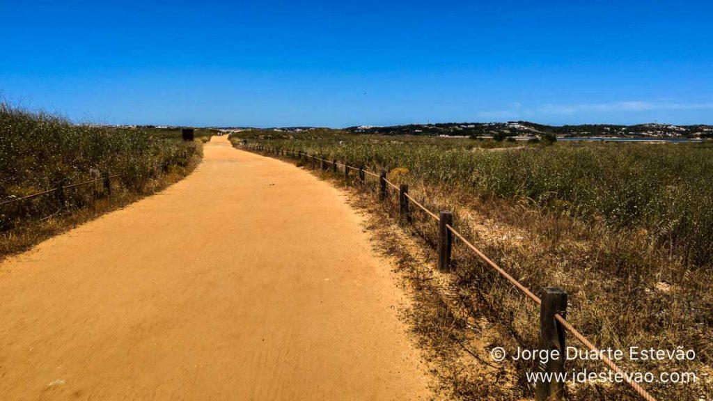 Caminho de terra batida, Passadiços de Alvor, Portimão