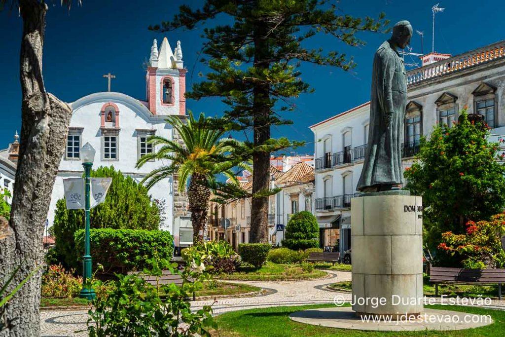 Jardim da Alagoa, na Praça Dr. António Padinha, Tavira