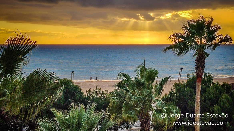 Pôr-do-sol na Praia de Quarteira