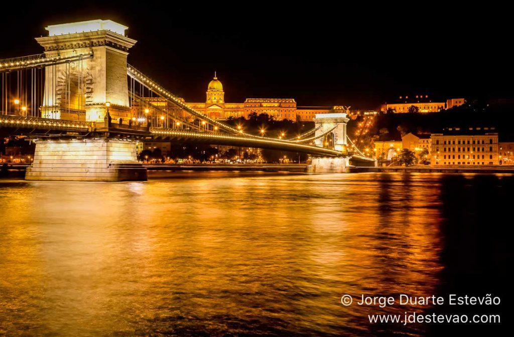 Ponte das Correntes, em Budapeste, Hungria