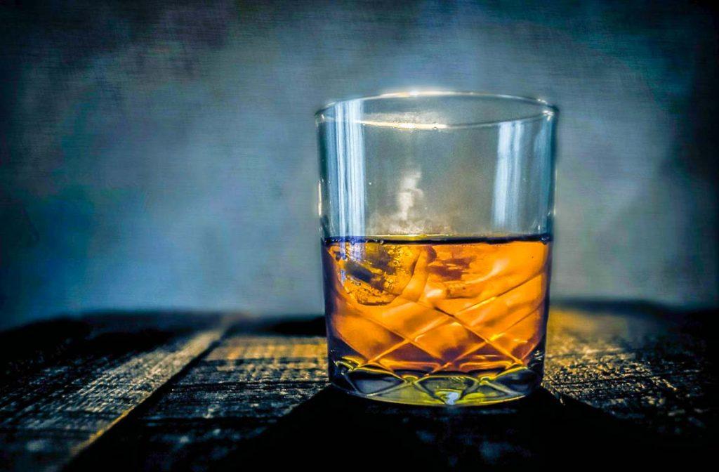 Copo de Whisky Escocês