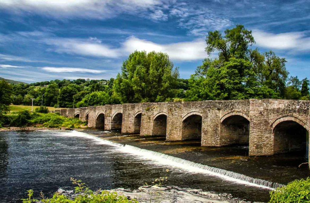 Ponte de Crickhowell, Gales