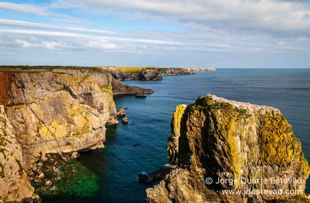 Stack Rocks, Pembrokeshire, País de Gales