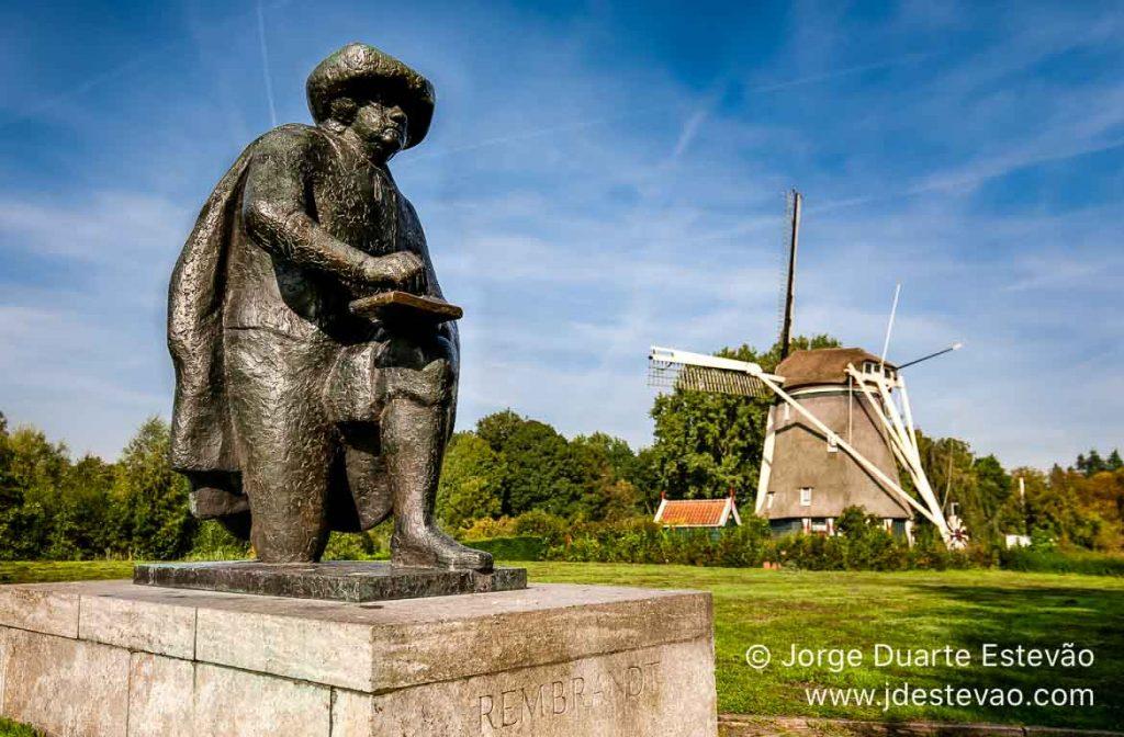 Estátua de Rembrandt, Moinho De Riekermolen, Amesterdão, Holan