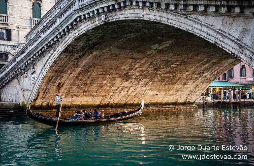 Ponte Rialto, Veneza, Itália