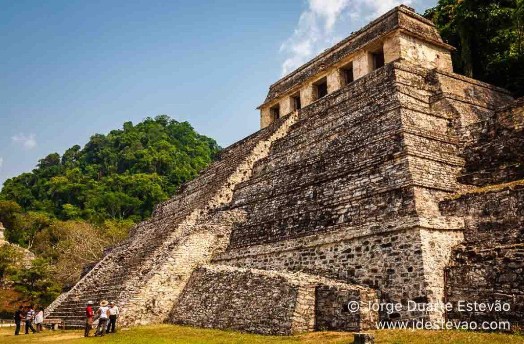 Turistas nas Ruínas de Palenque, Chiapas, México
