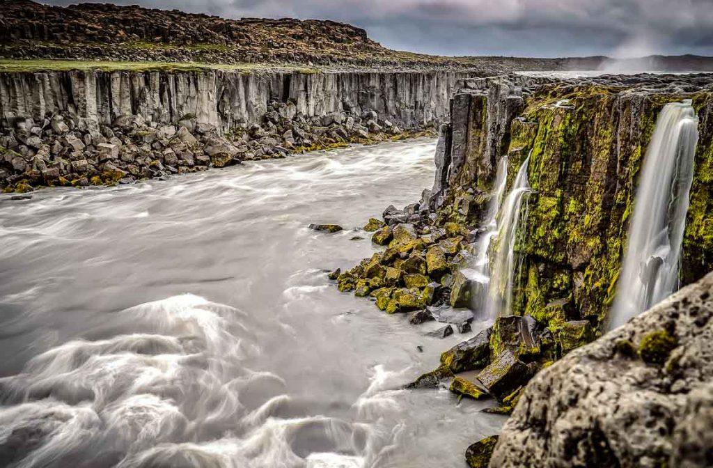 Cascata de Selfoss, uma das muitas que deve visitar na Islândia. Foto: Txetxu