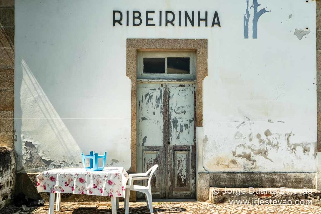 Antiga estação da Ribeirinha, em Vila Flor